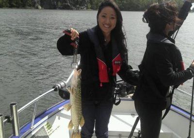 Turister fiskar gädda